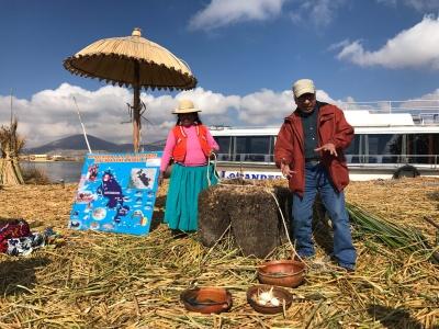 Besuch auf den Uros Inseln Titicacasee