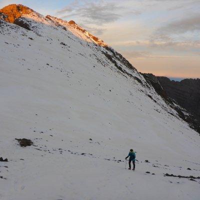 Sonnenaufgang im Aufstieg zum Toubkal