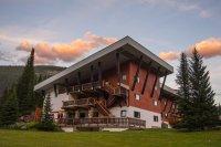 Bugaboo Lodge