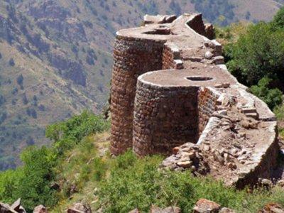 Festung Smbataberd bei Tsaghats Kar Kirche