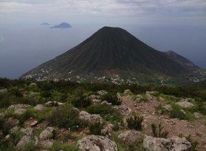 Panorama vom Vulkangipfel in Salina