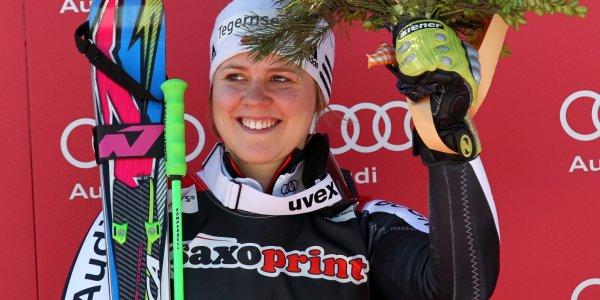 Viktoria Rebensburg - Strahlende Siegerin beim Riesenslalom