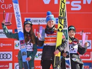 Siegerehrung Skisprung-Weltcup 17.02.2019
