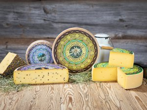 Gruppe Schönegger Käse-Alm
