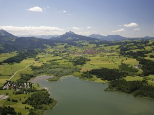 Luftbildaufnahme vom Grüntensee, Wertach und Grünten