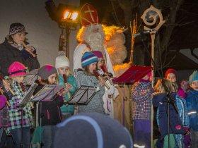 Flötengruppe bei Nikolausfeier