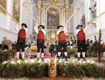 Adventsingen mit Wertacher Alphornbläser mit Allgayerhorn