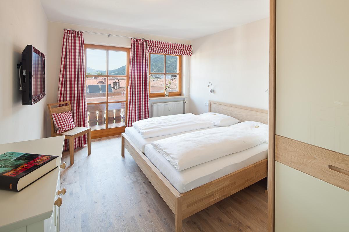 Schlafzimmer mit schönem Bergblick