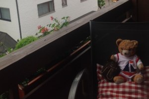 Herrlich auf dem Balkon dem Geschehen zusehen!