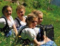 Gesangstruppe-naett-glii3