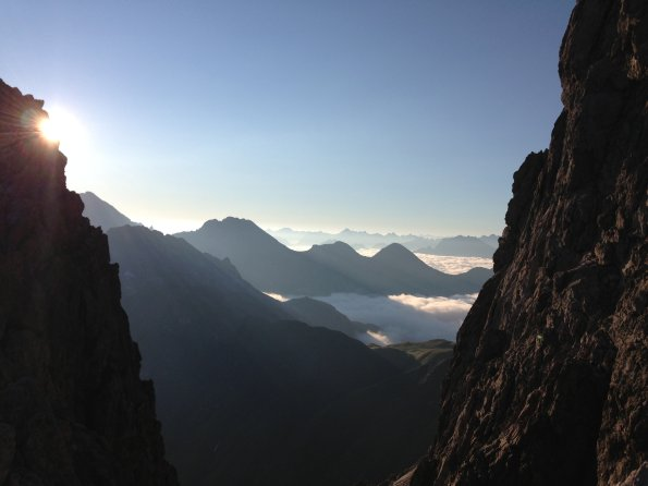 Wolkenmeer beim Bergsteigen