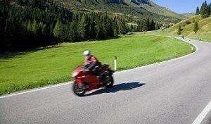 Motorradfahrer im Allgäu