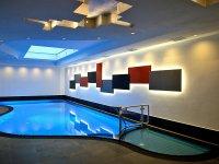 Schwimmbad mit Dampfsauna