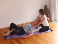 Yogatherapie liegende Öffnung