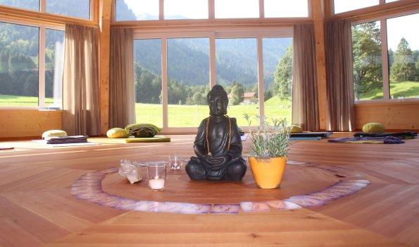 Yoga für Dich im Naturpavillon Stillachtal