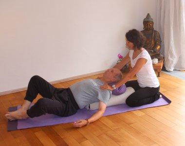 liebevolle Unterstützung mit Yogatherapie