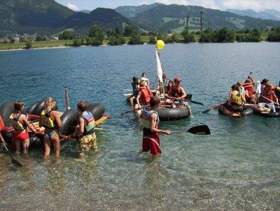 Floßbau - Teamtraining mit Spirits of Nature