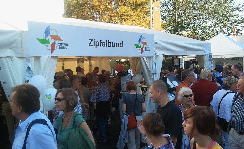 Bonn 2011 - Großer Andrang beim Zipfelbund