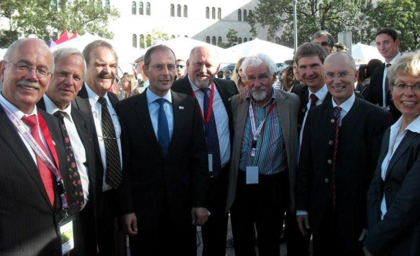 München 2012 Hoher Besuch am Zipfelzelt